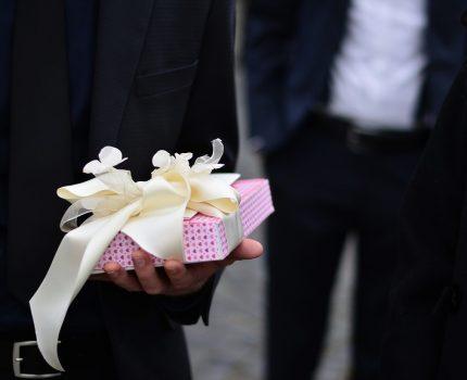 Co zamiast kwiatów? O prezentach dla Młodej Pary