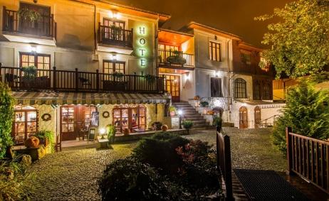 Sale weselne - Hotel Restauracja Dwa Księżyce - 5a7830af99999dwa_ksiezyce_noca_300dpi.jpg - SalaDlaCiebie.pl