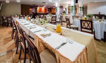Sale weselne - Hotel Witek - 5c2df2a941e44sala_kominkowa_3.jpg - www.SalaDlaCiebie.com
