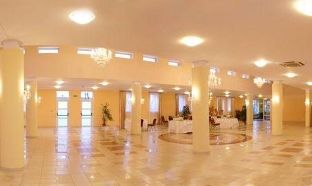 Sale weselne - Centrum Konferencyjno-Bankietowe Reduta - 5890b83e78a1a12688379_1663785477222110_2008342281656991668_n.jpg - SalaDlaCiebie.pl