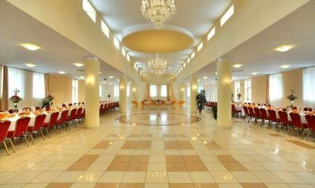 Sale weselne - Centrum Konferencyjno-Bankietowe Reduta - 5890b8469c7eb12744160_1663799787220679_5704119858497521130_n.jpg - SalaDlaCiebie.pl