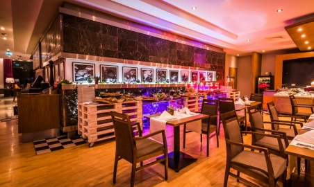 Sale weselne - Radisson Blu Hotel - 5ab27f5357e16restaurantsbarmilk2_1280x960.jpg - www.SalaDlaCiebie.com