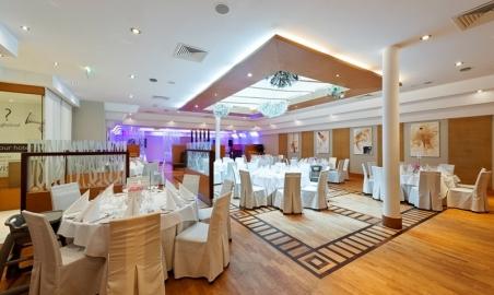 Sale weselne - Radisson Blu Hotel - 5ab286351ca61radisson_blu_hotel_krakow_wesele_solfez_copy.jpg - www.SalaDlaCiebie.com
