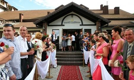 Sale weselne - Dwór Korona Karkonoszy - 5b6ebb8eb585awesele_w_gorach_dwor_korona.jpg - www.SalaDlaCiebie.com
