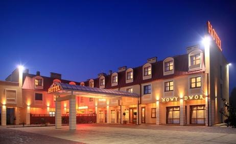 Sale weselne - Hotel Nowy Dwór*** w  Zaczerniu - 50b358c1110b3nowy_dwor_ii_noca_male.JPG - SalaDlaCiebie.pl
