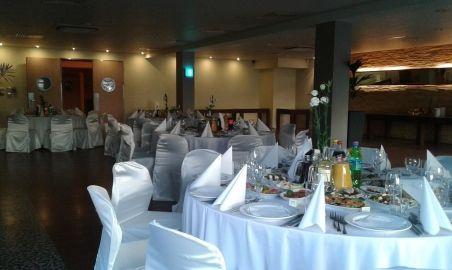 Sale weselne - Centrum Konferencyjno - Rekreacyjne Molo - 5791e3585adf5zdjecia_restauracja_okragle_stoly_004.jpg - SalaDlaCiebie.pl