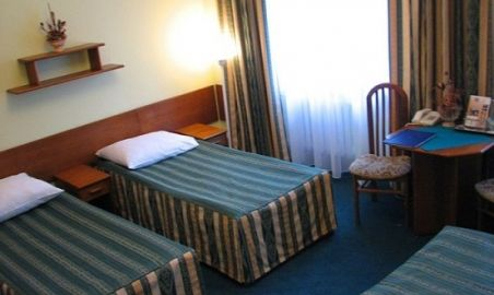 Sale weselne - Hotel Wodnik - 123565449812pokoj_3os.jpg - SalaDlaCiebie.pl