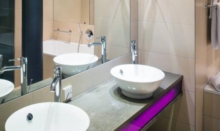 Sale weselne - Vienna House Andel's Lodz - 5b7691af8825bcsm_andelslodzbathroom2_8f9f66aeea.jpg - www.SalaDlaCiebie.com