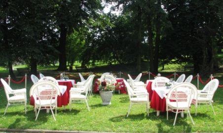 Sale weselne - Restauracja Dwór Zieleniewskich - 1264519951ogrodek.jpg - SalaDlaCiebie.pl