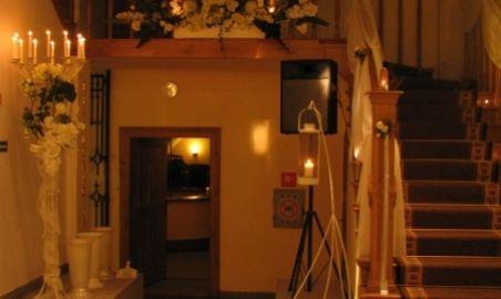 Sale weselne - Restauracja Dwór Zieleniewskich - 1264519952hol_dworu.jpg - SalaDlaCiebie.pl