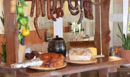 Sale weselne - Jonny's Apartments - 5b7e8156723f818952744_456425001387802_8460519541492073639_n.jpg - www.SalaDlaCiebie.com