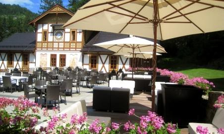 Sale weselne - Cafe Helenka - 522db5f8de20ecafe_helenka_taras_2.JPG - SalaDlaCiebie.pl