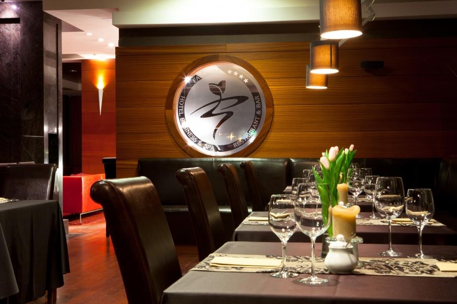 Sale weselne -   Farmona Hotel Business & Spa - Restauracja Magnifica - SalaDlaCiebie.com - 49