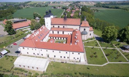 Sale weselne - Hotel św. Norberta*** - 57b2b9f726f453_namiot_z_zewnatrz.jpg - SalaDlaCiebie.pl