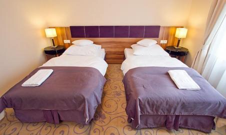 Sale weselne - Hotel Komfort Krzywaczka - 59f1dfaef23a2room_twin.png - SalaDlaCiebie.pl