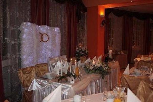 Sale weselne - Dom Przyjęć Okolicznościowych