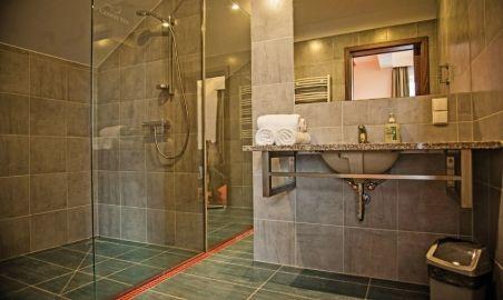 Sale weselne - CZARNY KOS - komfortowy pensjonat na Kaszubach - 50a373e1a25515_pokoje_lazienka.jpg - SalaDlaCiebie.com
