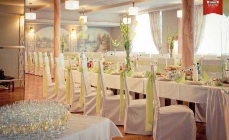 Sale weselne - Hotel*** i Restauracja - 53f1e59134076restauracja_hotel_baron_web_size_z_logiem_35_quality_156_of_166.jpg - SalaDlaCiebie.com