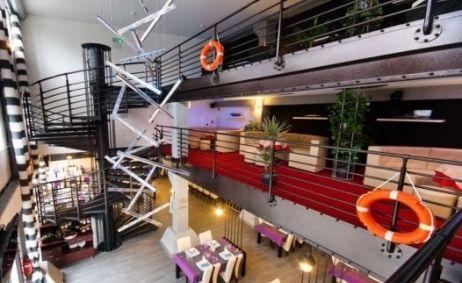 Sale weselne - Restauracja Portowa - 555c9c4eb830fwnetrze.jpg - SalaDlaCiebie.pl