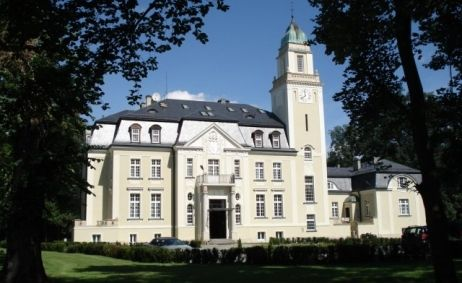 Sale weselne - Pałac Borowa - 55b88ed0328e8phoca_thumb_l_widok_na_palac.jpg - SalaDlaCiebie.com