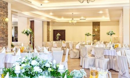 Sale weselne - MODRZEWIOWY DWÓR - Hotel & Restauracja - 5a7ae0181523b20017624_1507328909288240_1652505127127765916_o.jpg - SalaDlaCiebie.pl