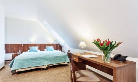 Sale weselne - MODRZEWIOWY DWÓR - Hotel & Restauracja - 5a7ae084e0c2a20121174_1507330782621386_5765484675284946536_o.jpg - SalaDlaCiebie.pl