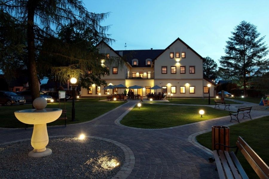 Sale weselne - MODRZEWIOWY DWÓR - Hotel & Restauracja - SalaDlaCiebie.com - 1