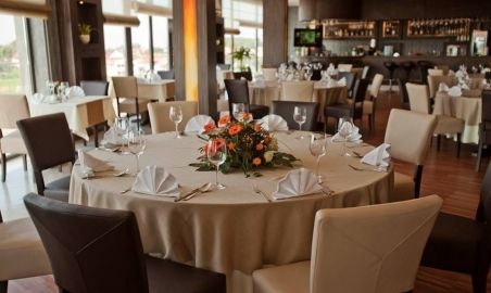 Sale weselne - Hotel Mistral Sport - 588e5ccfac60415327444_1505625042799988_6632031871770375839_n.jpg - SalaDlaCiebie.pl