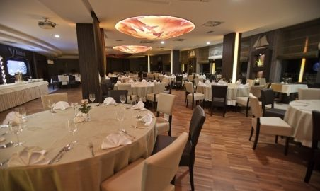 Sale weselne - Hotel Mistral Sport - 588e5cd42af5chotelowarestauracja.jpg - SalaDlaCiebie.pl