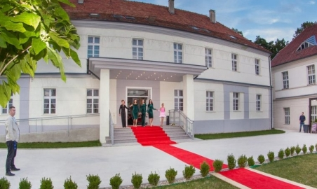 Sale weselne - Hotel Court Park - 59d61784b782520543993_505576066472232_6486360483263146897_okopia1140x450.jpg - SalaDlaCiebie.pl