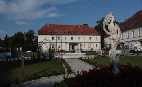 Sale weselne - Hotel Court Park - 59d6178846daaimg_3789_resize.jpg - SalaDlaCiebie.com