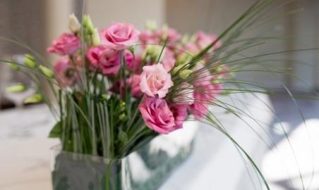 Sale weselne - Czarny Groń - 5c12794f51ffcwesela_czarny_gron_beskid_may_klimat_weselny_kwiaty_1.jpg - www.SalaDlaCiebie.com