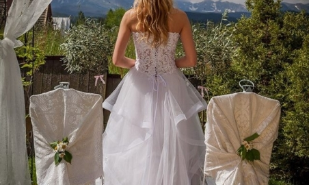 Sale weselne - Villa Toscana Boutique - 5c18dce97abc1mh_b8543c7fd0ab54b4a845e77a1a106985gal_5_photo_slub_w_plenerze.jpg - www.SalaDlaCiebie.com