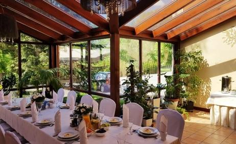 Sale weselne - Hotel i Restauracja Dworek 1885 - 5d1603ae55b1331531244_1355177757917652_8241763742459625472_n.jpg - www.SalaDlaCiebie.com