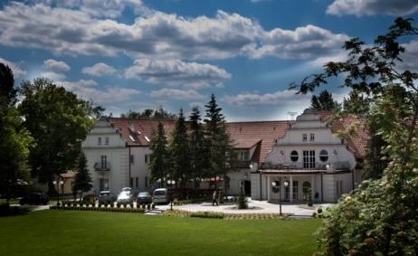 Sale weselne - Ośrodek szkoleniowo-wypoczynkowy Wityng - 5d1cad45b6ede546_2105_img_8667.jpg - www.SalaDlaCiebie.com
