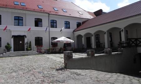 Sale weselne - Zamek Królewski we Wschowie - 51a886058af54dziedziniec.JPG - SalaDlaCiebie.pl