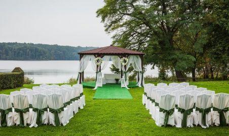Sale weselne - Pałac Białokosz - 54d1f4df4485dceremonia_nad_jeziorem.jpg - SalaDlaCiebie.pl
